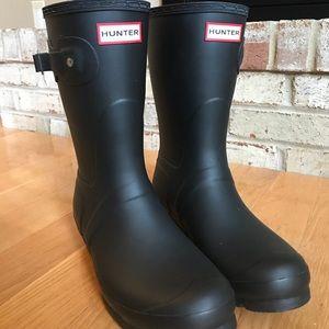 HUNTER Black Matte Short Rain Boots